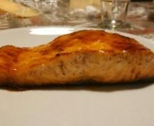 Filetto di salmone caramellato al pompelmo e rum